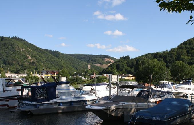 Marina: Mosel Islands
